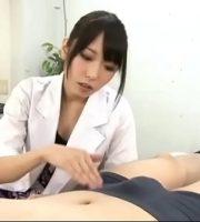 包茎好きなドS女医が、患者のチンポを弄ぶw